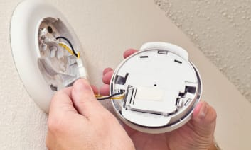 A Guide to Smoke Detector Installation and Maintenance