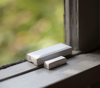 a vivint smart home window sensor